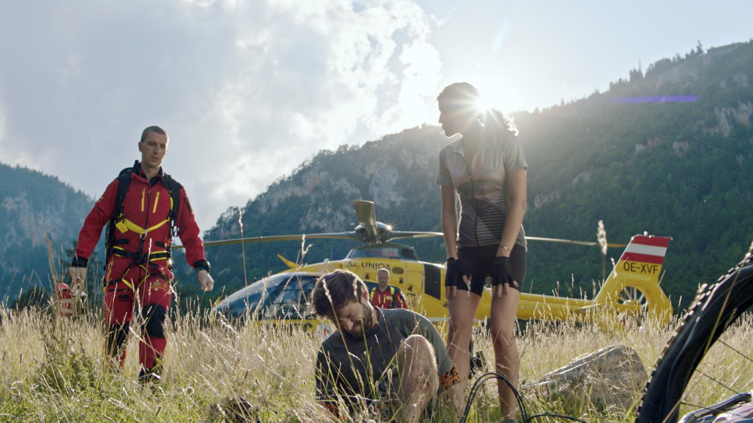 Bergrettung bei der Filmproduktion der just GmbH für die ÖAMTC Nothilfe TV-Spot.