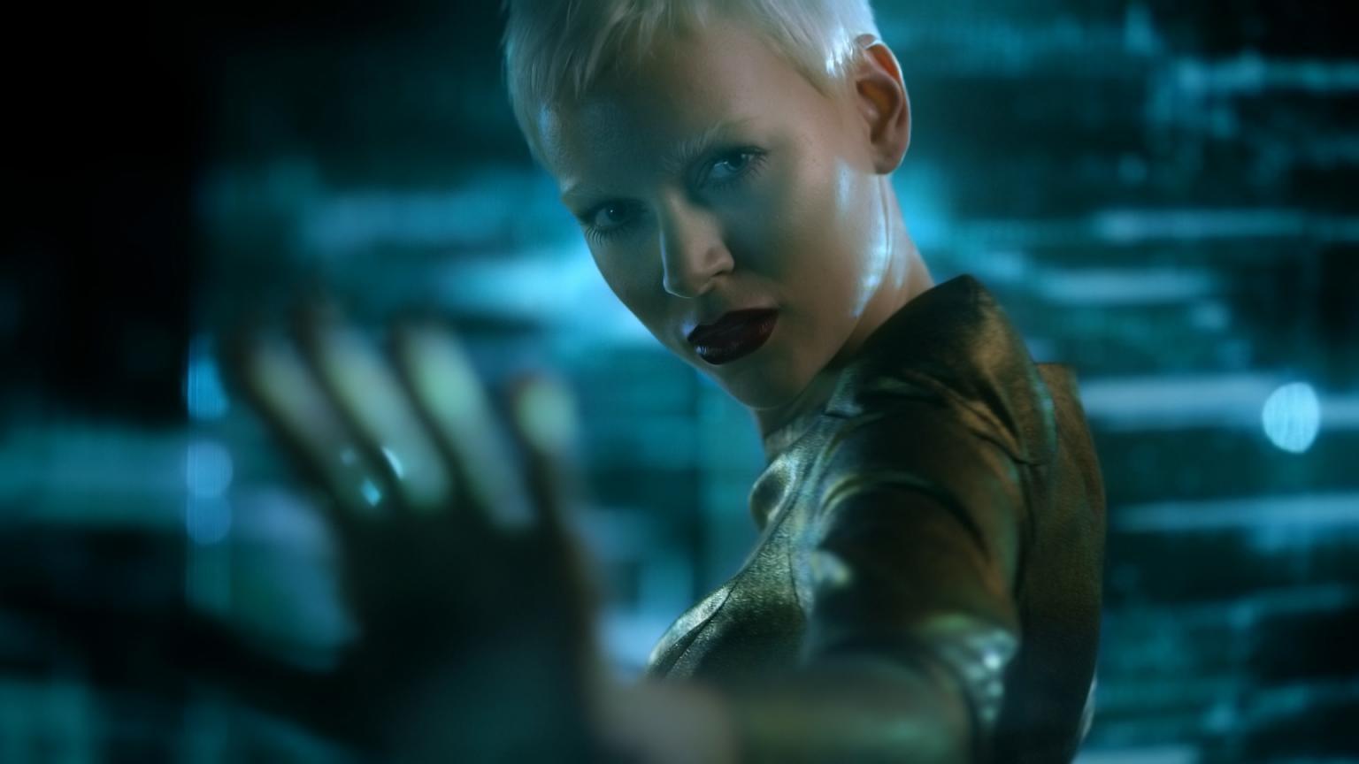 Model Inga Klaassen bei der Filmproduktion der just GmbH für den OnlineCasino.de TV-Spot.