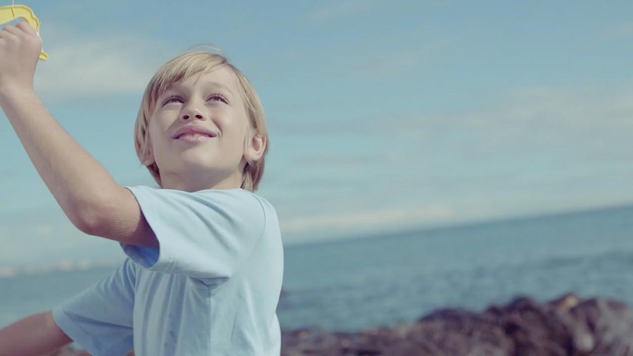 Darsteller-Kind bei Filmproduktion der just GmbH für ÖAMTC Schutzbrief in Malaga, Spanien.