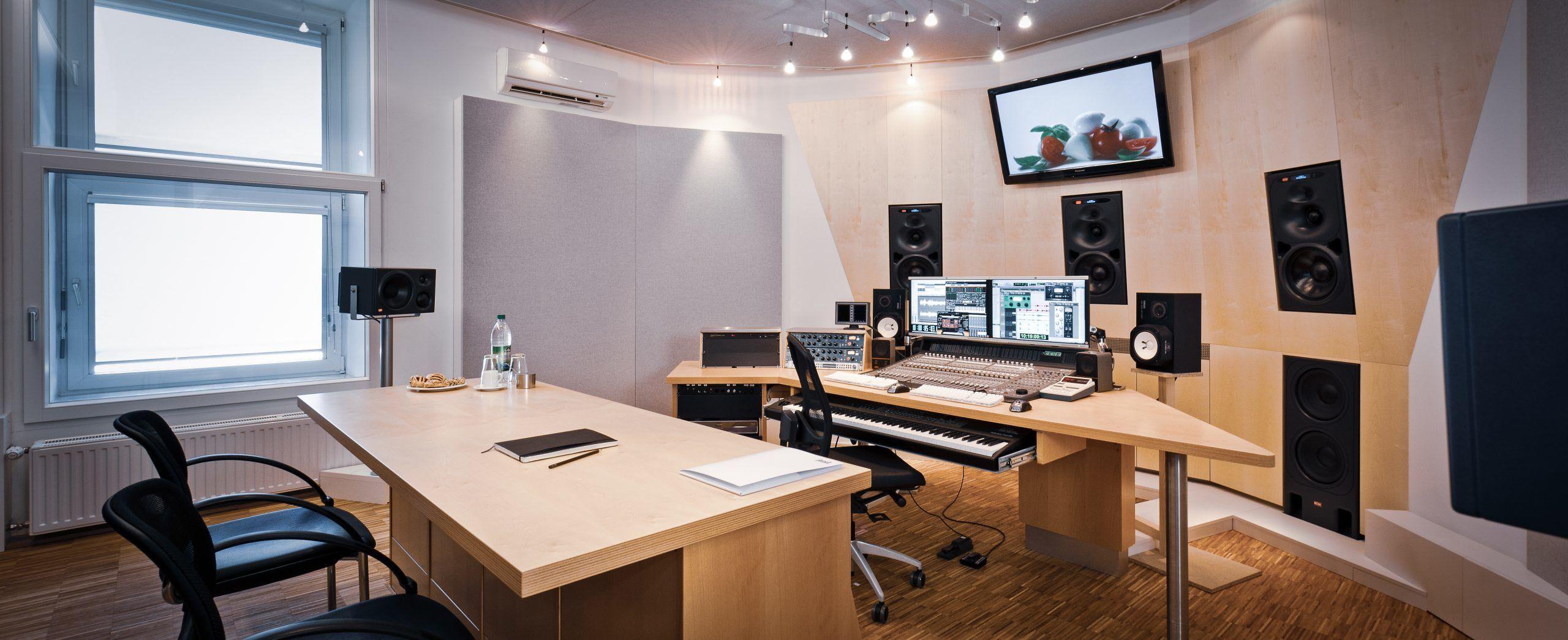 Tonstudio der just GmbH audiovisuelle produktionen, Zielstattstraße 19, 81379 München, Regie 1
