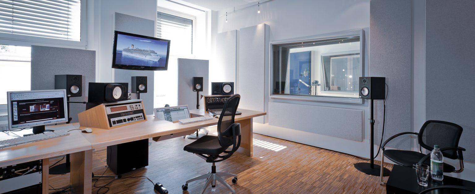 Tonstudio der just GmbH audiovisuelle produktionen, Zielstattstraße 19, 81379 München, Regie 2