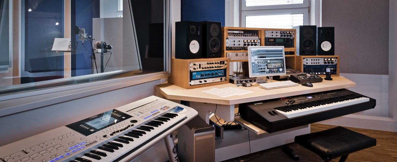 Tonstudio der just GmbH audiovisuelle produktionen, Zielstattstraße 19, 81379 München, Regie 3